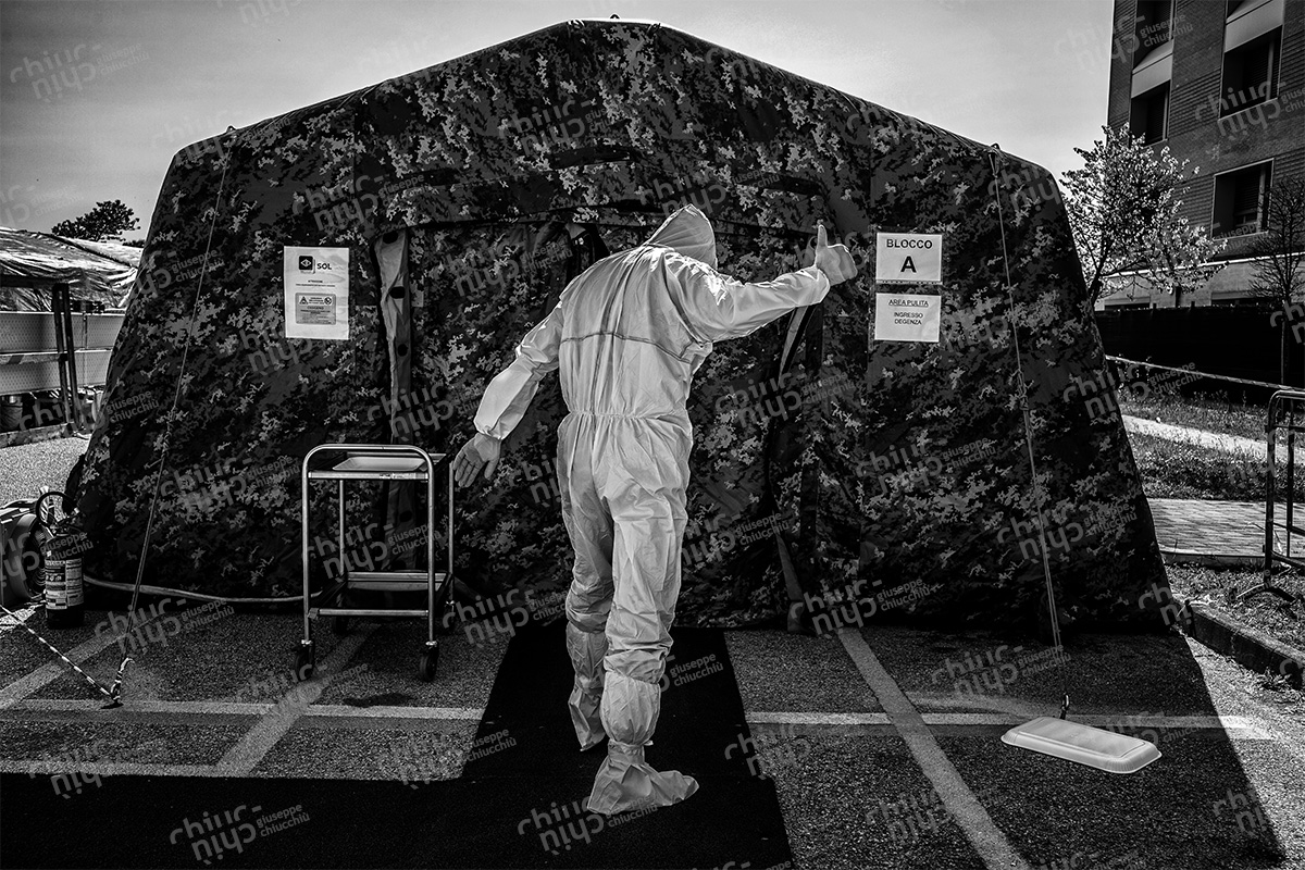 Italy - Navy health worker raises his thumb before entering the covid-19 department Jesi
