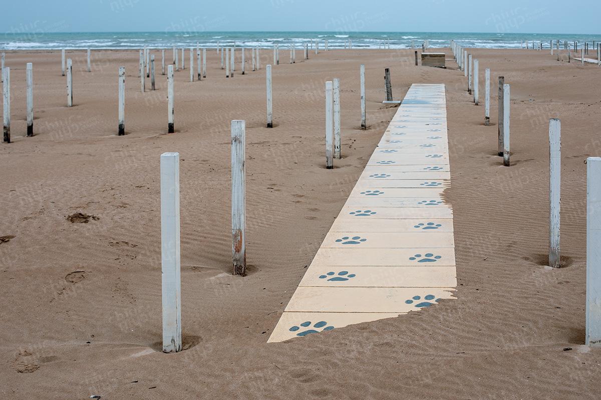 Italy - Rimini beach closed in the first covid-19 lockdown